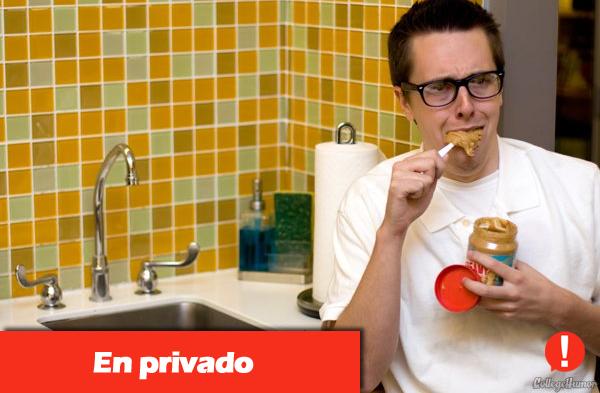 Comiendo en Privado
